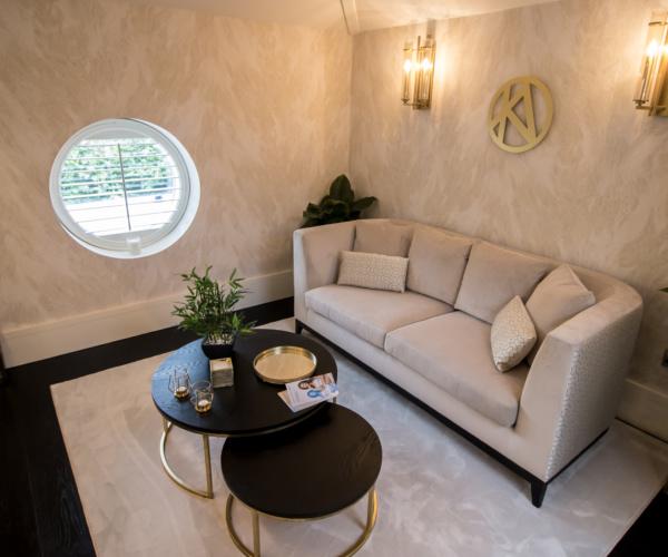 sofa katie alex